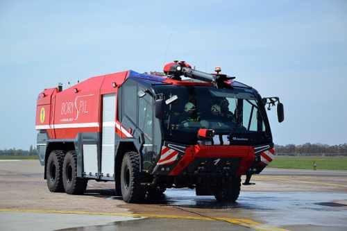 """А это - """"Пантера"""" - большой пожарный автомобиль KBP"""